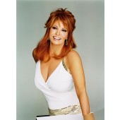 Knockout_Front,Raquel Welch Human Hair Sheer Indulgence,Raquel Welch,Color shown is R28S